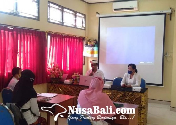 Nusabali.com - trenyuh-melihat-slb-negeri-2-denpasar-kadisdikpora-bali-janjikan-gedung-serbaguna
