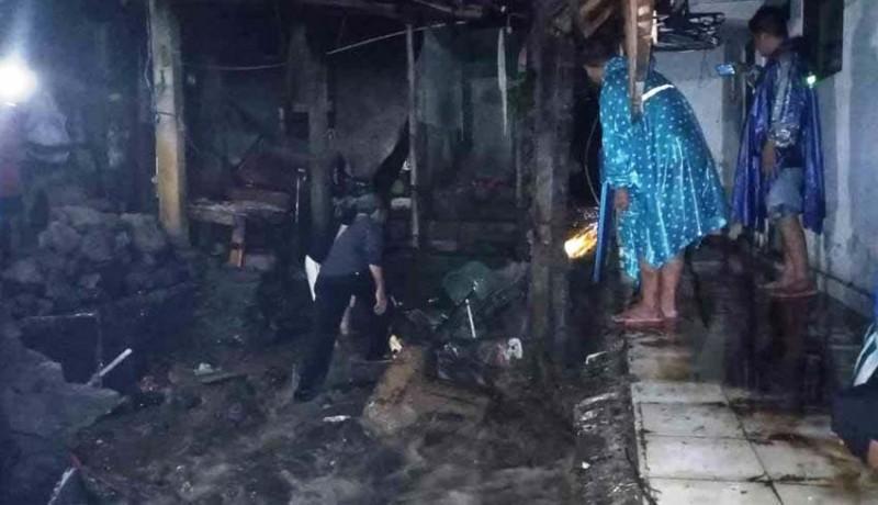 www.nusabali.com-tiga-rumah-di-sinduwati-terendam-banjir