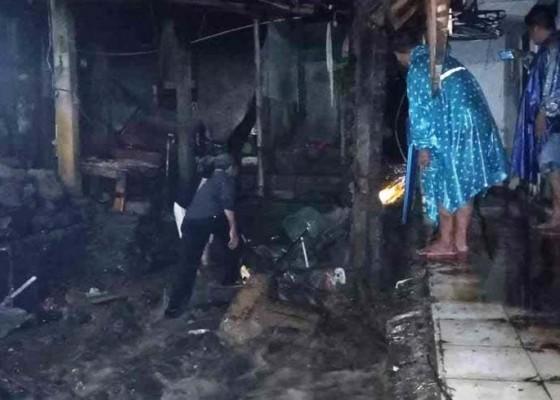 Nusabali.com - tiga-rumah-di-sinduwati-terendam-banjir