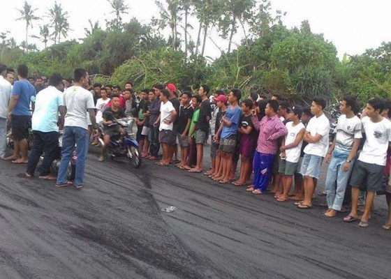 Nusabali.com - warga-pasut-keluhkan-balapan-liar
