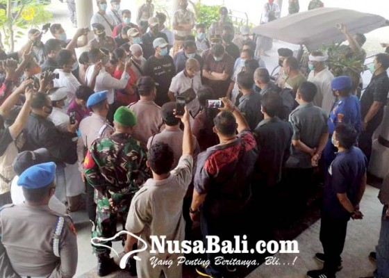 Nusabali.com - tak-terima-eksekusi-ancam-laporkan-kpn-denpasar-ke-ma