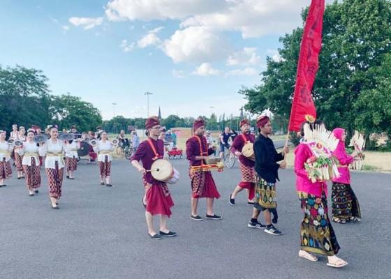 Nusabali.com - tarian-dan-gamelan-bali-meriahkan-festival-budaya-di-berlin