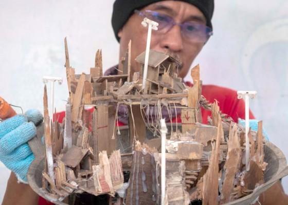 Nusabali.com - kerajinan-diorama-dari-sampah-rumah-tangga
