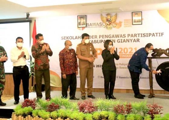 Nusabali.com - kader-pengawas-diminta-cegah-politisasi-sara