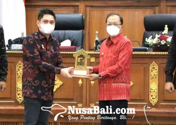 Nusabali.com - koster-jangan-sampai-jadi-pengusaha-merangkap-calo