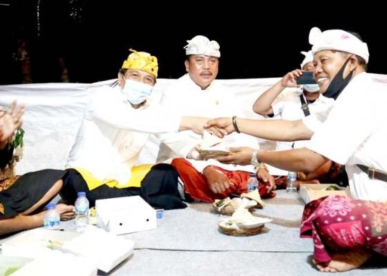 Nusabali.com - suyasa-hadiri-upacara-pitra-yadnya-di-desa-adat-blahkiuh
