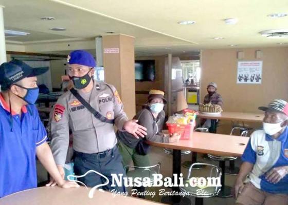 Nusabali.com - satpol-air-pulangkan-nelayan-terdampar-ke-sumbawa