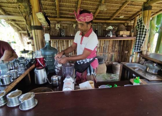 Nusabali.com - covid-19-pelaku-wisata-intens-jual-laklak-dan-kopi