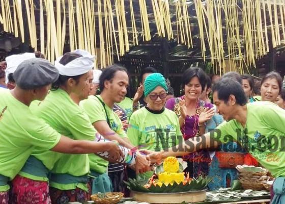 Nusabali.com - slank-rayakan-ultah-ke-33-di-baliaga