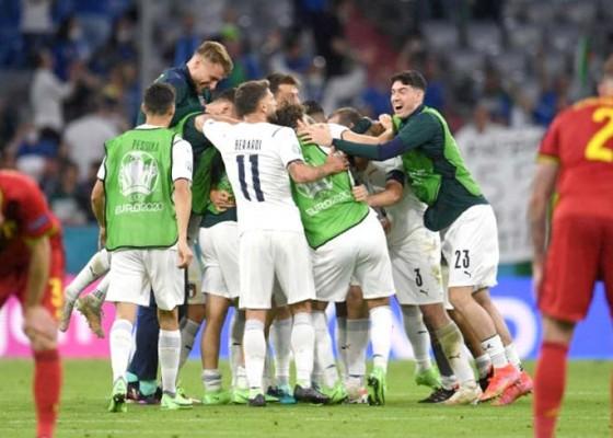 Nusabali.com - lolos-ke-semifinal-euro-2020-italia-ukir-rekor
