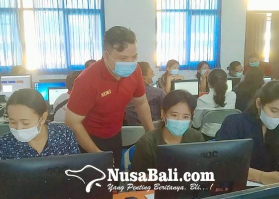 Nusabali.com - pelatihan-penggunaan-media-pembelajaran-daring-di-smk-restumuning