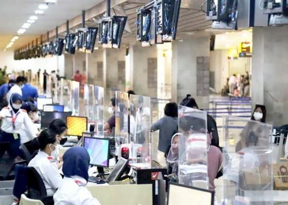 Nusabali.com - penumpang-pesawat-di-bandara-ngurah-rai-anjlok