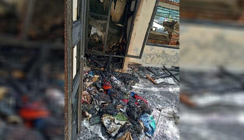 www.nusabali.com-diduga-korsleting-gudang-dan-ruko-terbakar