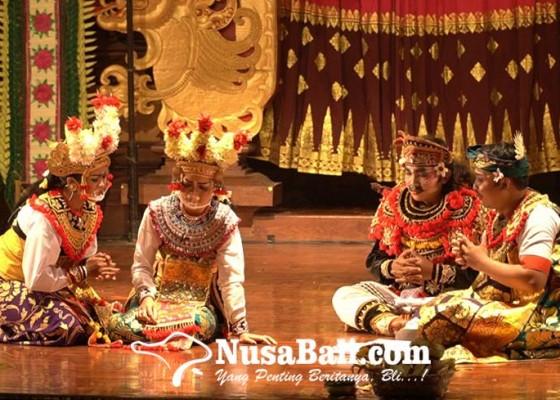 Nusabali.com - sekaa-arja-yowana-werdhi-banjar-batan-buah-desa-kesiman-petilan-lestarikan-kesenian-arja-klasik