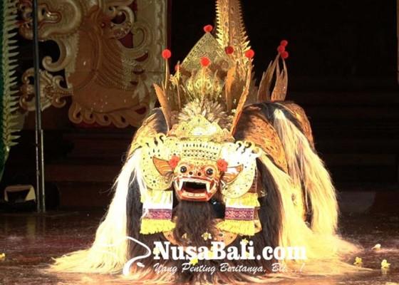 Nusabali.com - tari-bapang-barong-dan-tari-rangda-pakem-desa-bongkasa-diperkenalkan-di-pesta-kesenian-bali