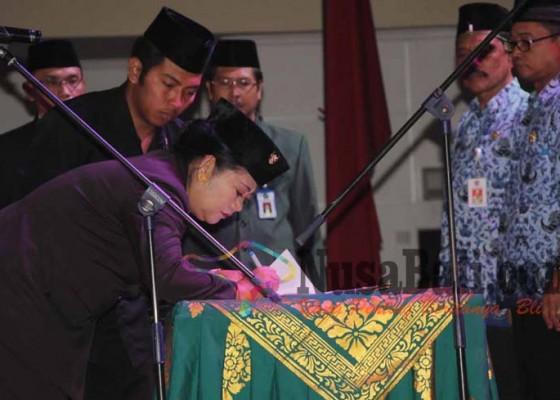 Nusabali.com - dua-pejabat-pimpin-opd-baru