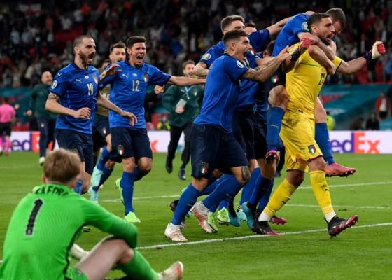Nusabali.com - italia-juara-euro-2020-kalahkan-inggris-lewat-adu-penalti