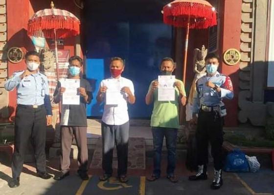 Nusabali.com - asimilasi-rumah-diperpanjang-tiga-narapidana-lapas-singaraja-dibebaskan