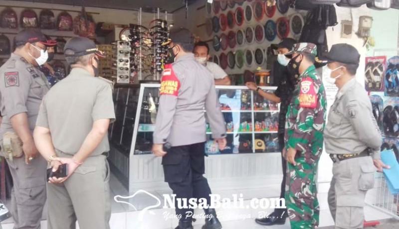 www.nusabali.com-satpol-pp-segel-tiga-tempat-usaha