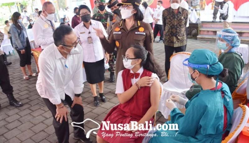 www.nusabali.com-vaksinasi-siswa-smpn-9-denpasar-dapat-apresiasi-dari-presiden