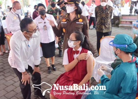 Nusabali.com - vaksinasi-siswa-smpn-9-denpasar-dapat-apresiasi-dari-presiden