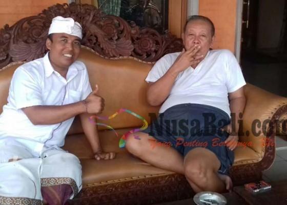 Nusabali.com - sukrawan-minta-restu-cok-rat-di-puri-satria