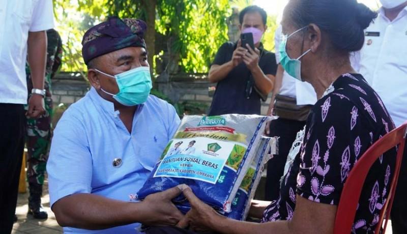 www.nusabali.com-ppkm-darurat-pemkab-jembrana-gelontorkan-500-paket-beras