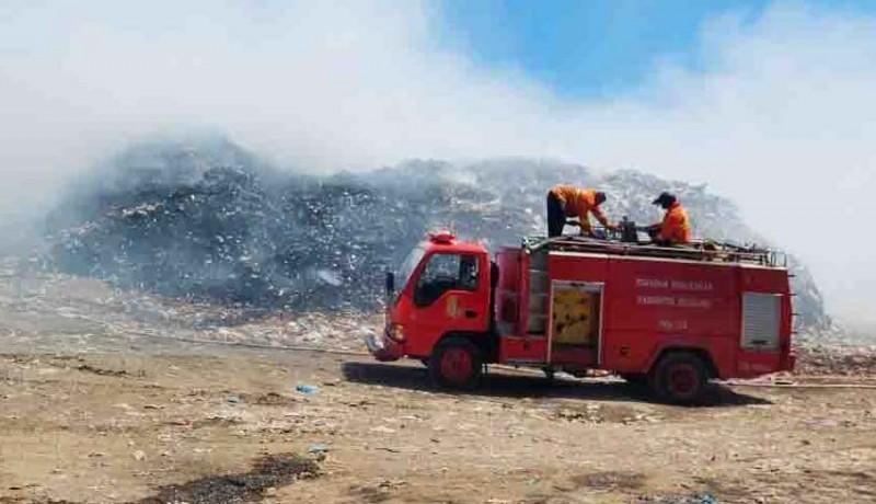 www.nusabali.com-atasi-kebakaran-di-tpa-bengkala-dlh-terapkan-sanitary-landfill