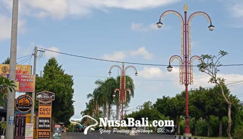 www.nusabali.com-dishub-padamkan-lampu-penjor-hias
