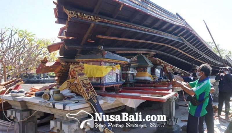 www.nusabali.com-bangunan-bale-panggungan-roboh-7-jempana-remuk