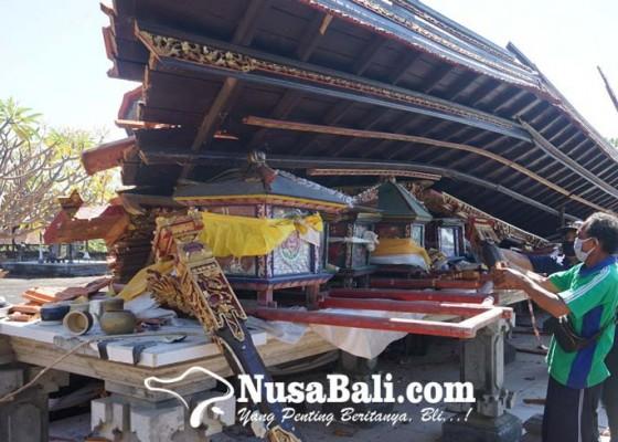 Nusabali.com - bangunan-bale-panggungan-roboh-7-jempana-remuk