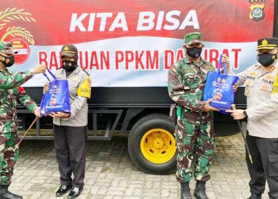 Nusabali.com - ppkm-darurat-polres-dan-kodim-tabanan-gelontorkan-bantuan-beras