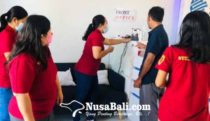 www.nusabali.com-hambat-penyebaran-covid-19-dosen-stiki-buat-hand-sanitizer-otomatis