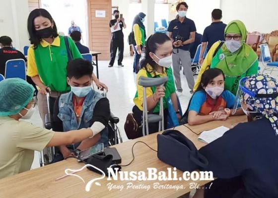 Nusabali.com - 236-siswa-penyandang-disabilitas-divaksin