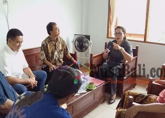 Nusabali.com - koster-diklarifikasi-panwas-buleleng