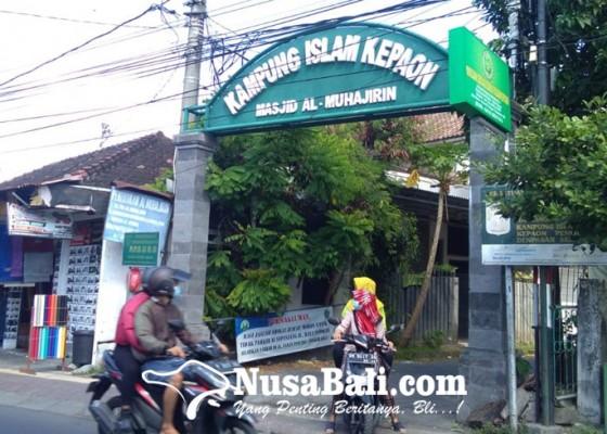 Nusabali.com - salat-idul-adha-di-masjid-al-muhajirin-kepaon-hanya-diikuti-50-jemaah