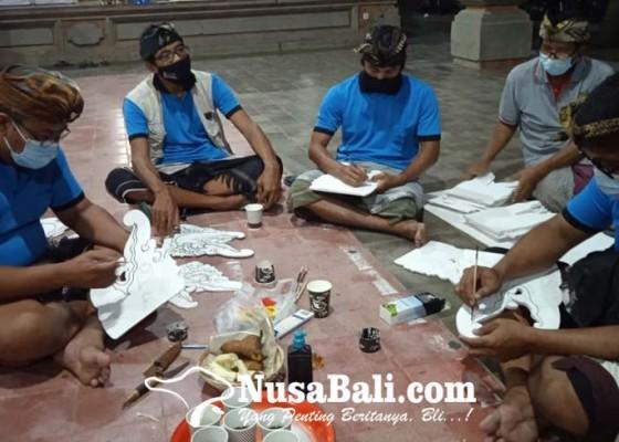 Nusabali.com - ramai-ramai-ngayah-bantu-persiapan-upacara-ngabel-kinembulan