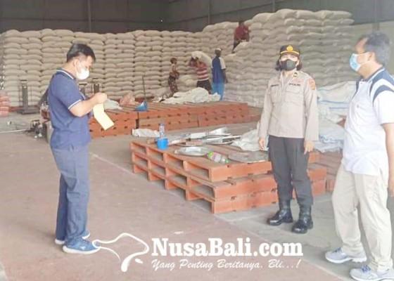 Nusabali.com - polres-badung-salurkan-bantuan-5-ton-beras