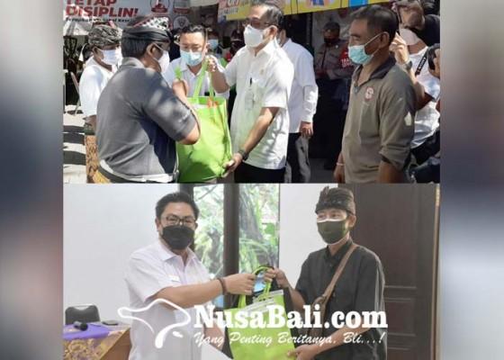 Nusabali.com - walikota-wakil-walikota-denpasar-bantu-konsumsi-warga-isoman