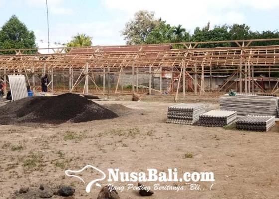 Nusabali.com - stimulus-pedagang-pasar-blahbatuh-macet