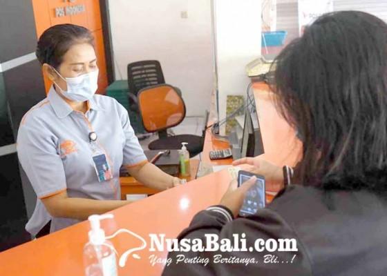 Nusabali.com - pt-pos-bagikan-bst-datang-ke-bale-desa