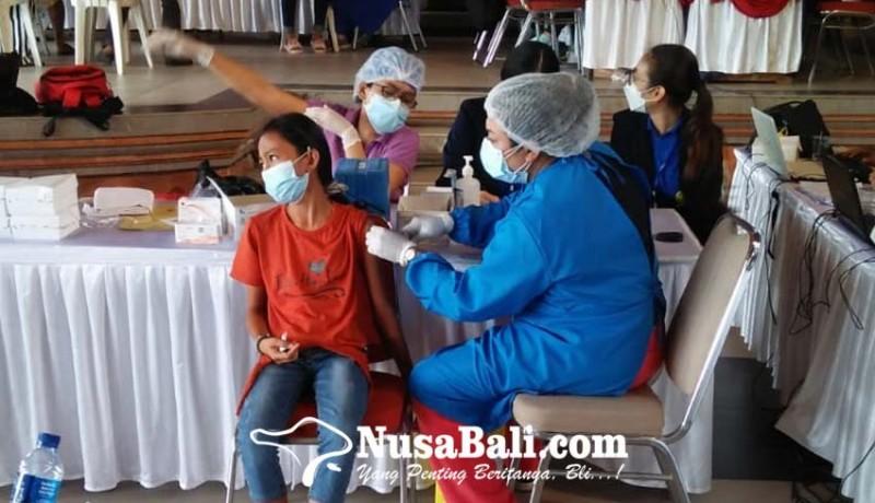 www.nusabali.com-vaksinasi-di-batubulan-wujudkan-herd-immunity