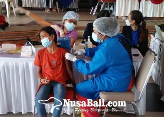 Nusabali.com - vaksinasi-di-batubulan-wujudkan-herd-immunity