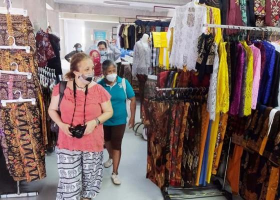 Nusabali.com - pedagang-sektor-non-esensial-kembali-buka-di-denpasar