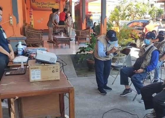 Nusabali.com - 18-orang-relawan-dilatih-tangani-jenazah-pasien-covid-19