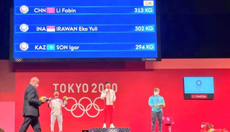 www.nusabali.com-olimpiade-tokyo-eko-yuli-irawan-sumbang-perak-untuk-indonesia