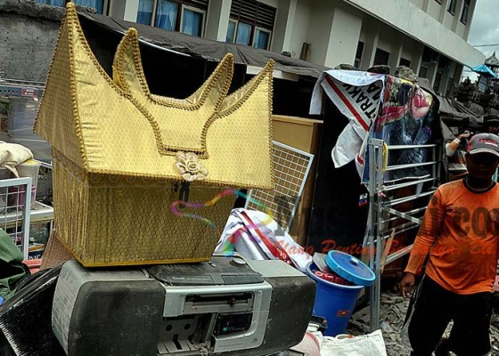 Nusabali.com - puluhan-murid-tak-bersekolah-sehari-pasca-rumah-mereka-dieksekusi