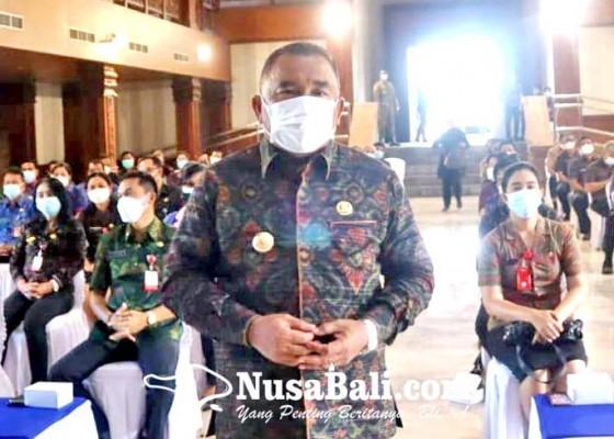 Nusabali.com - bupati-tamba-briefing-puluhan-pejabat
