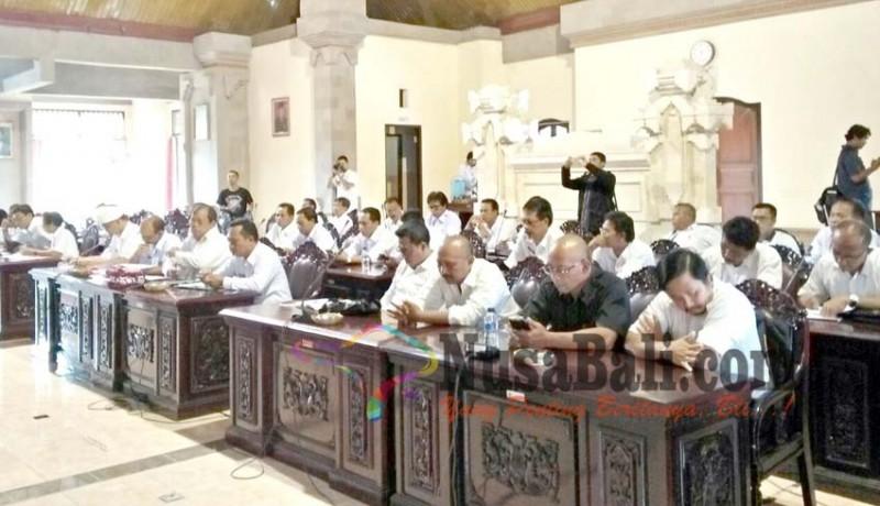 www.nusabali.com-dewan-tambah-anggaran-dana-desa