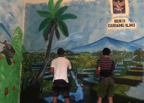 Nusabali.com - karang-taruna-puhu-lukis-dinding-perpustakaan